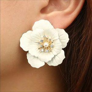New. Fashion Boho Big Flowers Pearl Ear  Earrings